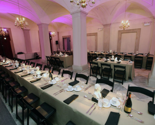 Nassau Gallery set up for an elegant dinner event
